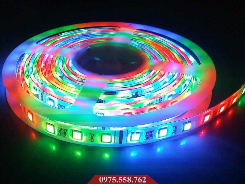Đèn LED Dán 5M Điều Khiển